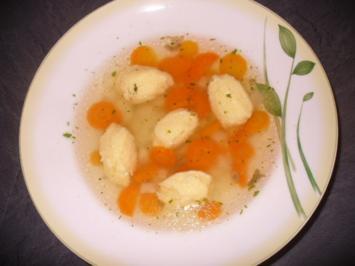 Klare Brühe mit Grießnockerln - Rezept