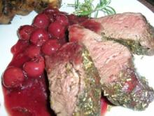 Hirschfilet mit Portwein-Kirschsauce an hausgemachter Steinpilzknödelrolle - Rezept