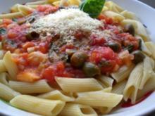 Nudeln mit Thunfisch-Oliven Soße - Rezept