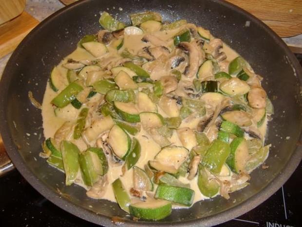 Nudelauflauf mit Zucchini und Champignons à la Heiko - Rezept - Bild Nr. 8