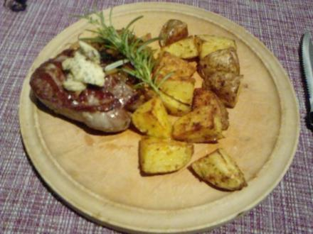 AFTER-BIKING-BEFORE-TATORT-STEAK – FILETSTEAK MIT SPICY-FRIES AND ONIONS - Rezept
