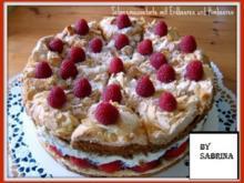 Schneemoussetorte mit  Erdbeeren und Himbeer Mascarpone - Rezept
