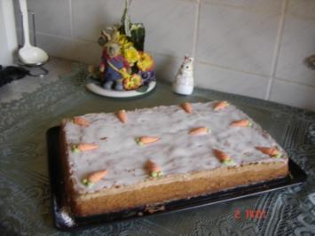 Rezept: Möhren-Mandel-Blechkuchen