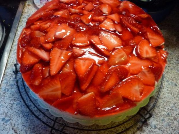 Torten: Erdbeertorte - Rezept - Bild Nr. 8
