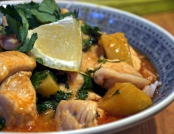 Thai-Curry mit Huhn und Ananas - Rezept