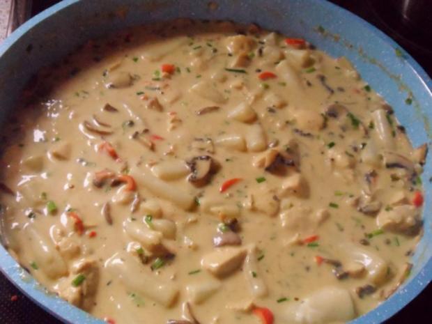 Pfannengerichte: Schwarzwurzel-Hähnchen-Pfanne mit Champignons & Kapern-Senf-Soße - Rezept - Bild Nr. 9