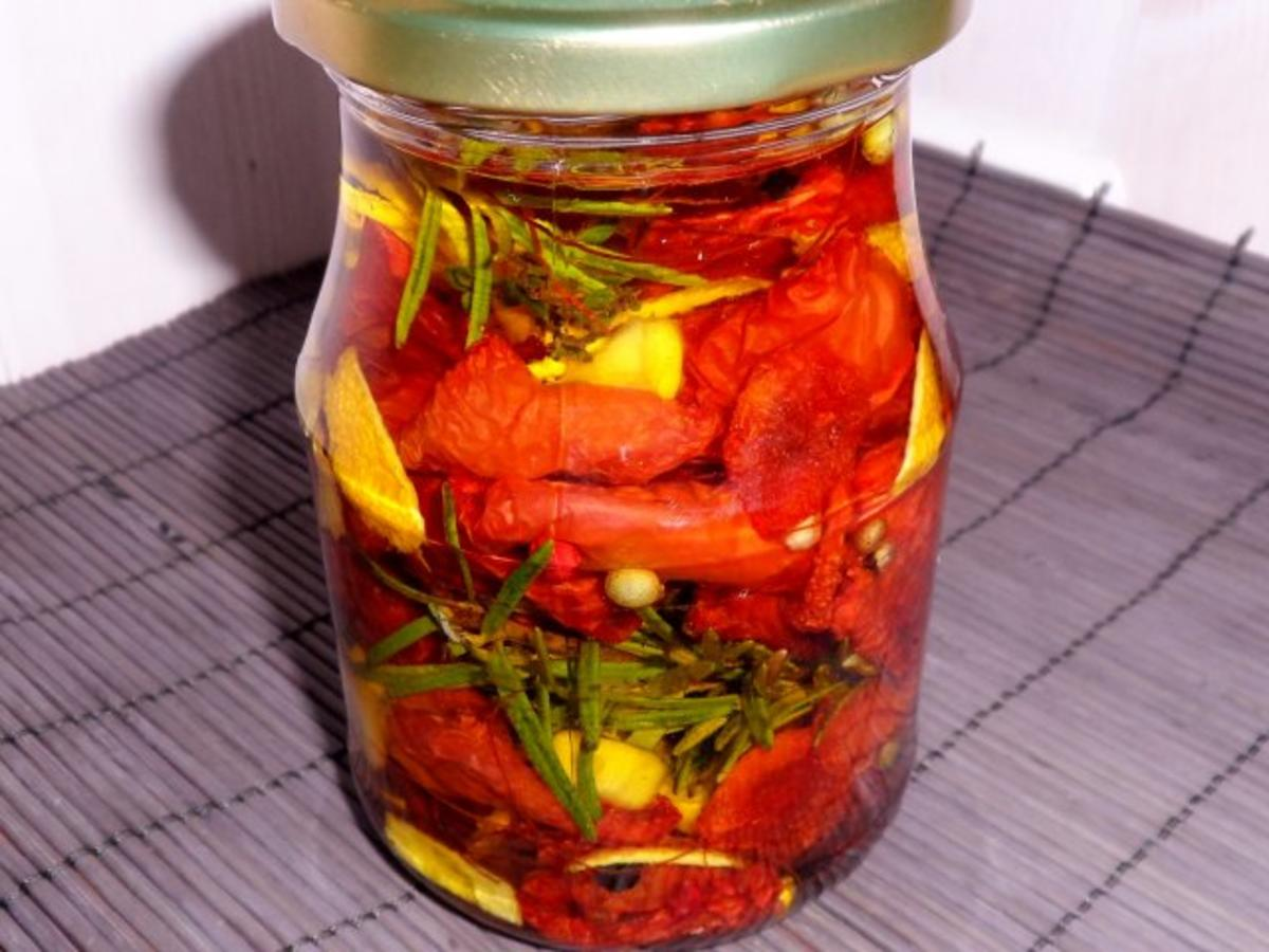antipasti eingelegte getrocknete tomaten rezept. Black Bedroom Furniture Sets. Home Design Ideas