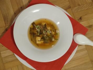 Miso Suppe mit Tofu und Seetang - Rezept
