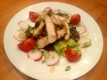 Salat mit Putenstreifen - Rezept