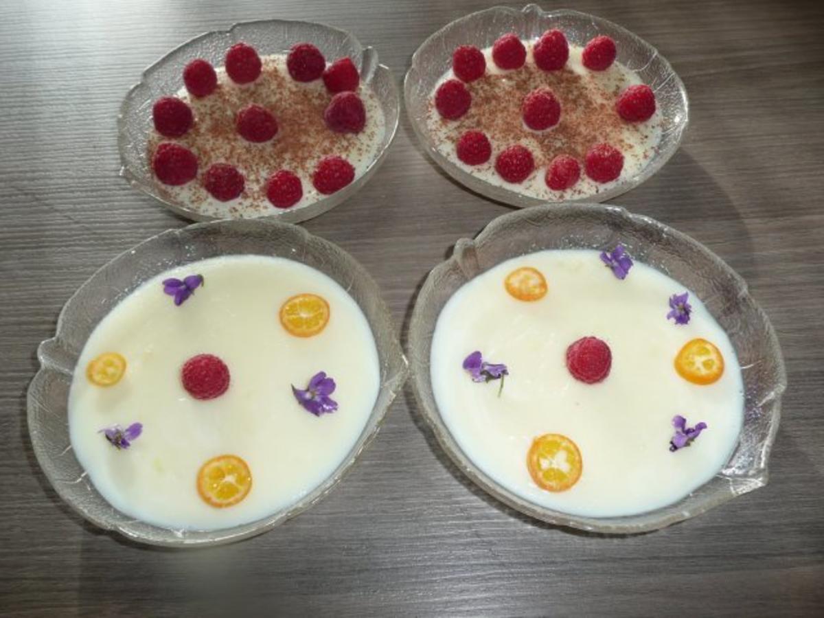 Karamellpudding mit frischen Himbeeren, Blockschokoladenraspel + oder Veilchen ! - Rezept Von Einsendungen GINA-ANNA