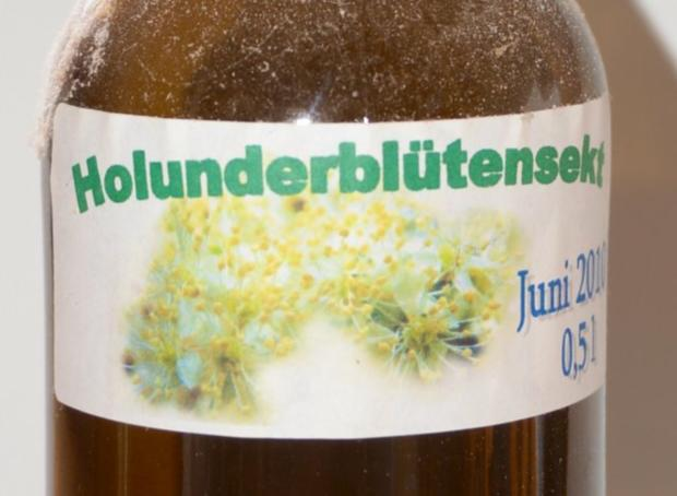 Holunderblütensekt 2010 - Rezept