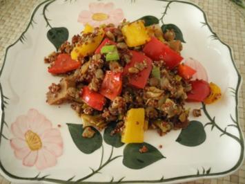 Vegan : Seitan - Paprika - Porree - Pfanne mit rotem Quinoa und Linsen - Rezept