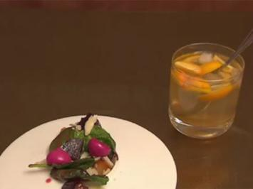 Salat aus gelber und roter Beete mit Himbeervinigrette, Portweinfeigen und alten Parmesan - Rezept