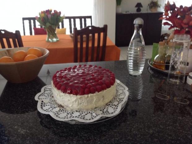 Drei - Tage - Torte mit Himbeeren - Rezept