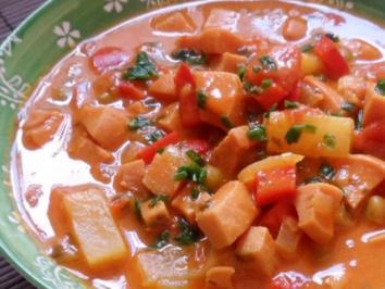 Rezept: Fruchtiges Wurst-Gulasch mit Ananas & Paprika