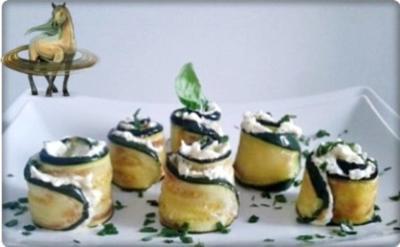 Party  Zucchiniröllchen mit Frischkäse gefüllt - Rezept