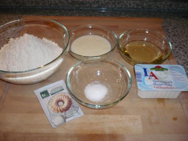 Paprikapizza aus Quark-Öl-Teig mit Minzpesto - Rezept - Bild Nr. 2