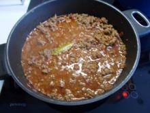 Bologneser Soße mit Salami und Rotwein - Rezept