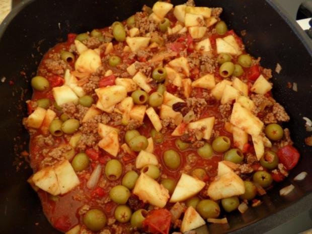 Hack-Oliven-Apfel-Pfanne - Rezept