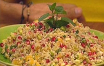 Bulgursalat mit Granatapfel und Zitrone - Rezept