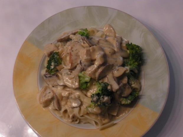 Puten-Sahne-Champions-Geschnetzeltes mit Broccoli und Bandnudeln - Rezept - Bild Nr. 5