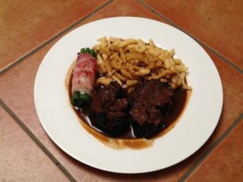 Das Rind grinst nimmer Geschmorte Ochsenbacke in Rotweinsoße, mit hausgemachten Spätzle - Rezept