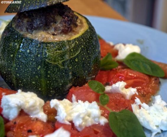 Gefüllte Zucchini mit Vanille-Tomaten - Rezept