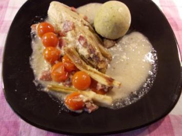 Gebackener Chicoree mit Tomaten in Gorgonzola-Schinken-Walnußsoße - Rezept