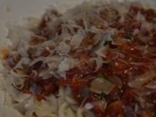Spaghetti mit Kräuterseitlings-Tomaten-Sugo - Rezept