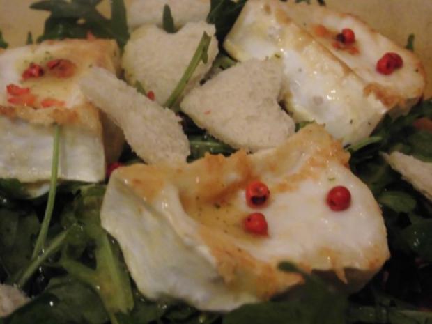 Rucola Salat mit Ziegenkäse und rosa Pfeffer - Rezept
