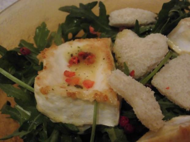 Rucola Salat mit Ziegenkäse und rosa Pfeffer - Rezept - Bild Nr. 3