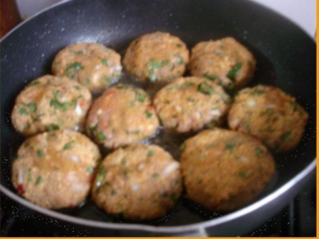 Korianderbuletten mit Sellerie-Kartoffelstampf und grünen Bohnen - Rezept - Bild Nr. 8