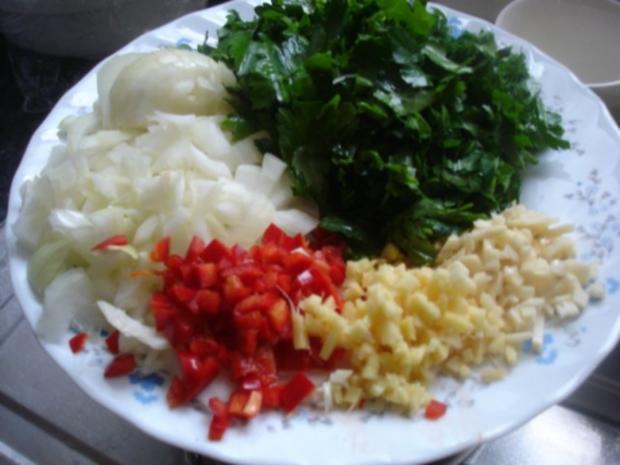 Korianderbuletten mit Sellerie-Kartoffelstampf und grünen Bohnen - Rezept - Bild Nr. 4