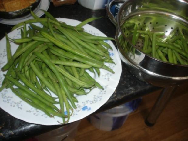 Korianderbuletten mit Sellerie-Kartoffelstampf und grünen Bohnen - Rezept - Bild Nr. 14