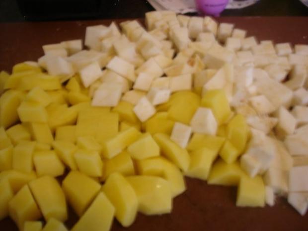 Korianderbuletten mit Sellerie-Kartoffelstampf und grünen Bohnen - Rezept - Bild Nr. 11