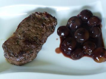 Rumpsteaks Sous Vide gegart mit Rotweinzwiebeln - Rezept