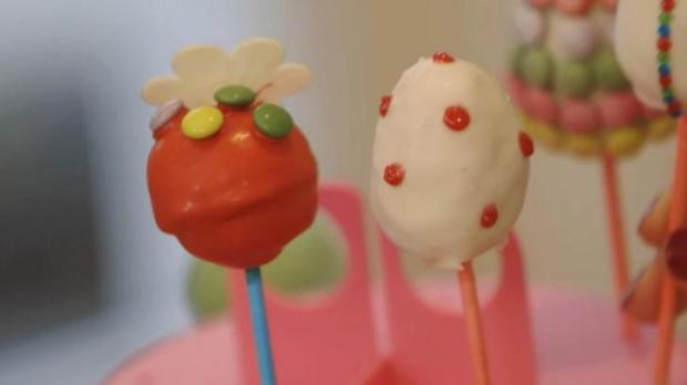 cake pops rezept mit video. Black Bedroom Furniture Sets. Home Design Ideas