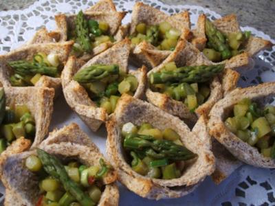 Toast: (Toast)Körbchen mit Spargelsalat - Rezept