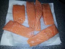 Fisch: Lachs in Dill -  Sahne - Soße zu Bandnudeln - Rezept