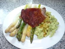 Putenkeule mit Bärlauchknöpfle, Spargel und Kräutersauce - Rezept