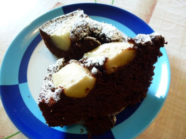 Schoko-Birnenkuchen mit Eierlikör - Rezept