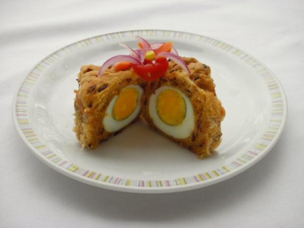 Herzhafter Hefekuchen versteckt ein paar Eier - Rezept - Bild Nr. 3