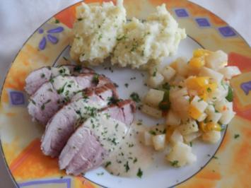 Schweinefilet mit Paprika- Sellerie-Gemüse und Kräuter-Senf-Sauce - Rezept