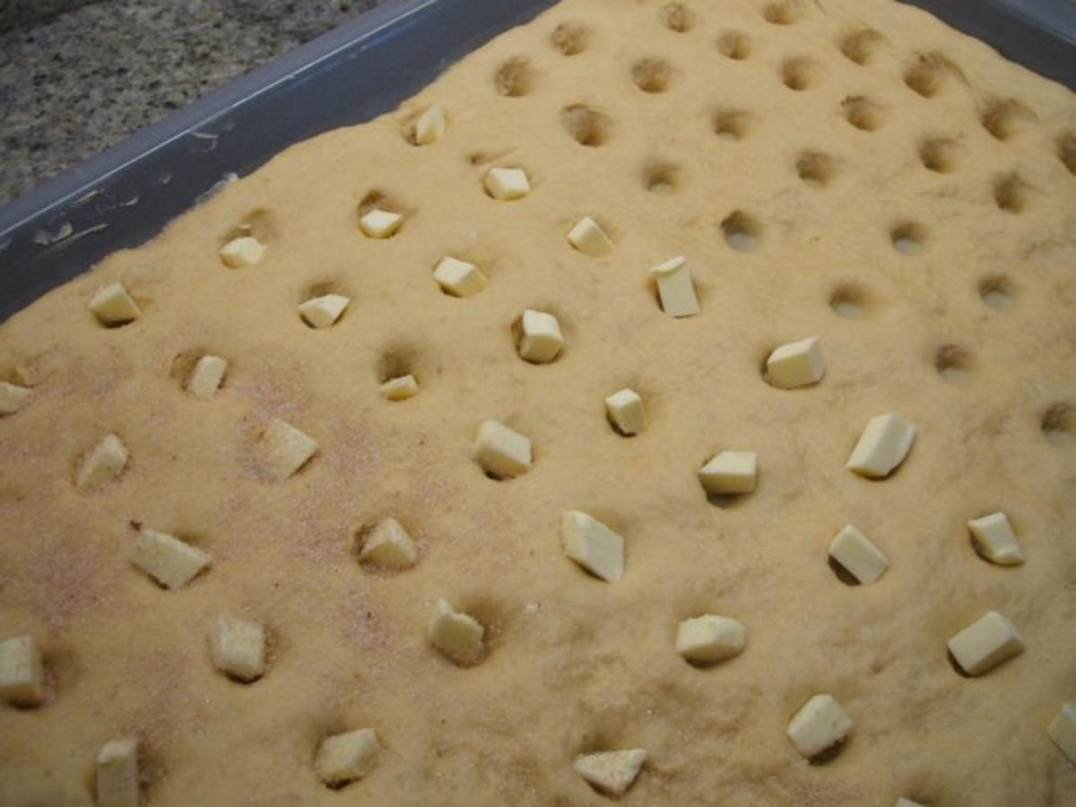 Butterlochkuchen Butterkuchen,Omas Butterkuchen,