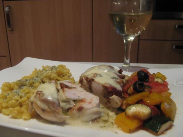 überbackenes Pesto-Tomaten-Hühnchen auf Estragon-Sauce - Rezept - Bild Nr. 4