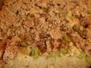 Rhabarber-Blechkuchen mit Mandelstreusel - Rezept
