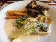 Rinder - Minuten - Steak, grobe Kartoffeln und warmer Romana Salat - Rezept