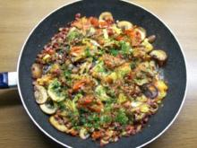 Spiegeleier im Gemüse-Champignon-Schinken-Mantel - Rezept
