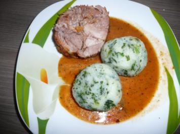 Zigeunerrollbraten mit Spinatknödel, Bohnensalat + Dessert - Rezept