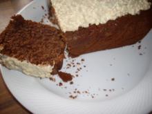 dunkler nuss-rumkuchen mit weisser haube - Rezept